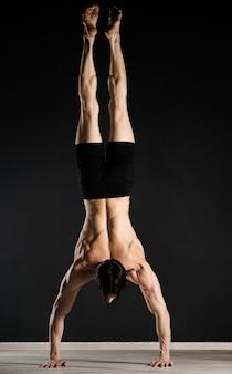 Modelo profesional de entrenamiento masculino