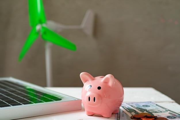 Modelos de fuentes de energía alternativas de molinos de viento y paneles solares