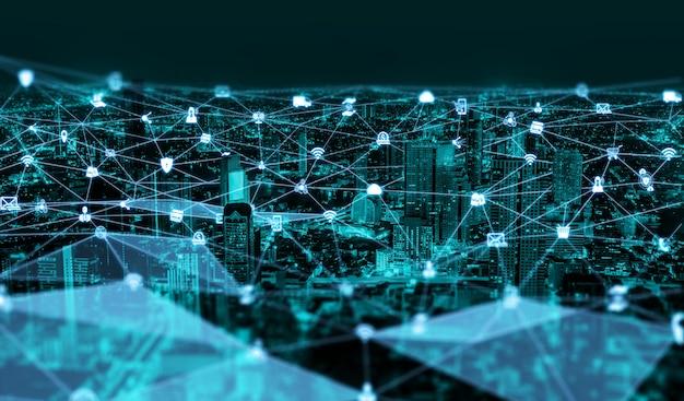 La moderna comunicación creativa y la red de internet se conectan en smart city