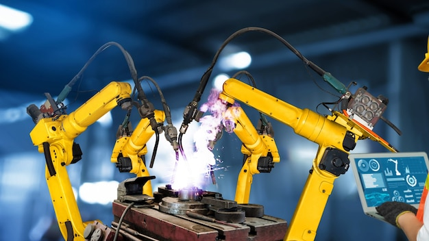 Modernización de los brazos robóticos de la industria inteligente para una tecnología de fábrica innovadora