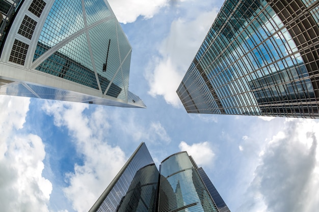 Modernos edificios de oficinas de hong kong