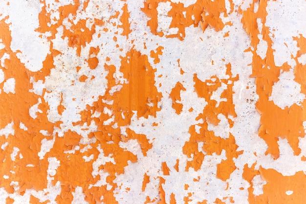 Moho en metal, antiguo muro de metal en mal estado en ruinas, textura de fondo