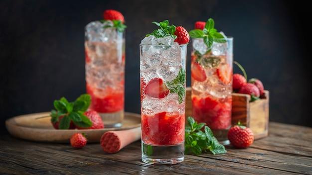 Mojito cocktail con fresa