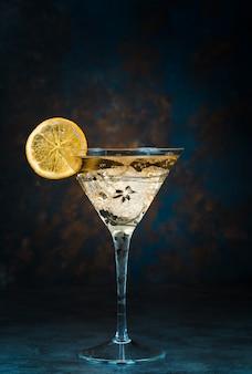 Mojito cocktail en vaso