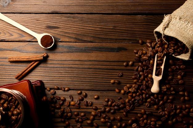 Molinillo de café y fondo de café