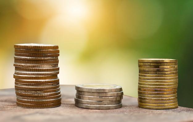 Monedas pila de finanzas e inversiones