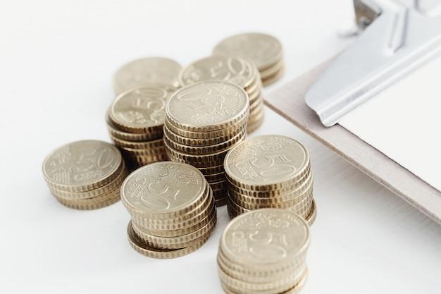Monedas y portapapeles