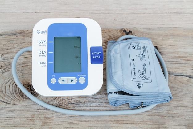 Monitor automático de la presión arterial