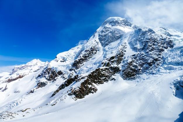 Montaña nevada matterhorn, zermatt, suiza
