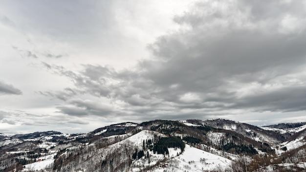 Montaña zlatibor, serbia en invierno.