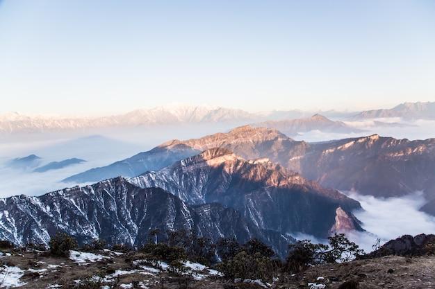 Montañas nevadas