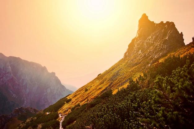 Montañas paisaje de la naturaleza