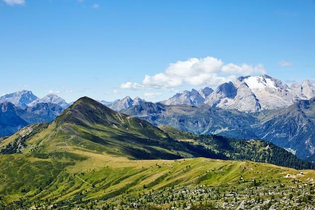Montañas del paso de giau