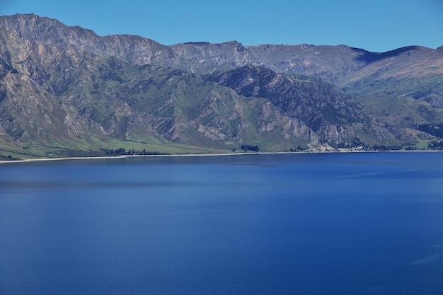 Las montañas y el valle de la isla sur, nueva zelanda