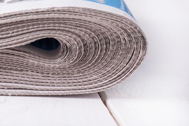 Montón de periódicos doblados