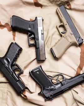 Montón de pistolas
