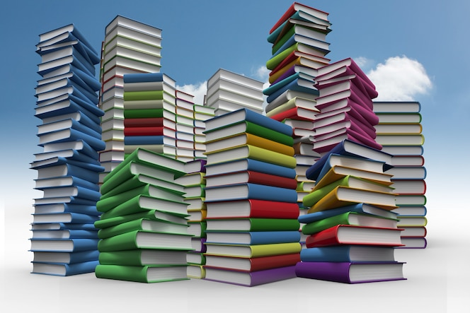 Montones de libros contra el cielo