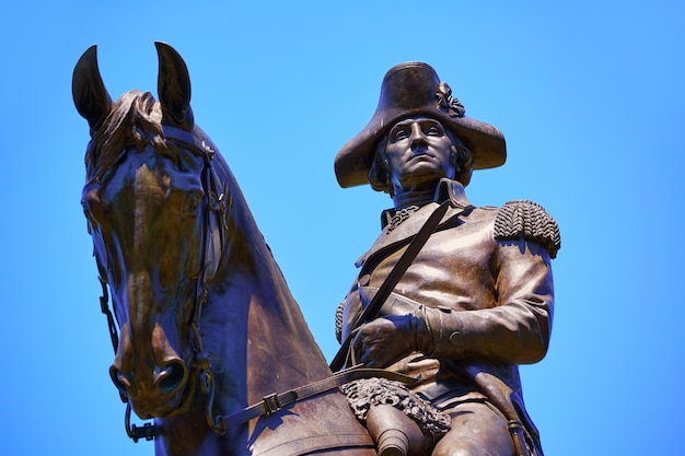 Monumento al boston common george washington