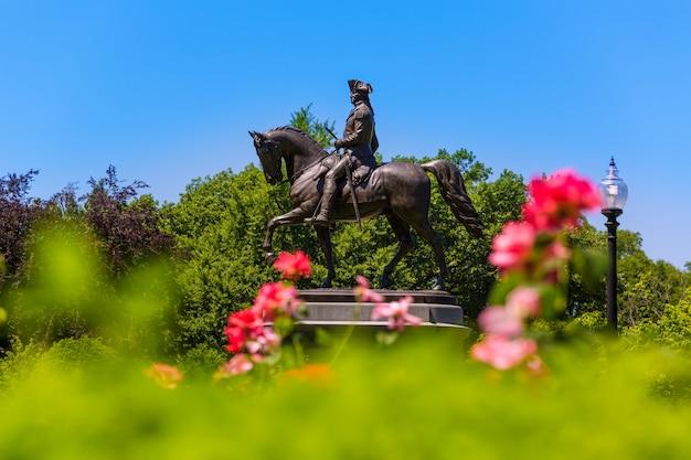 Monumento al boston common george washington