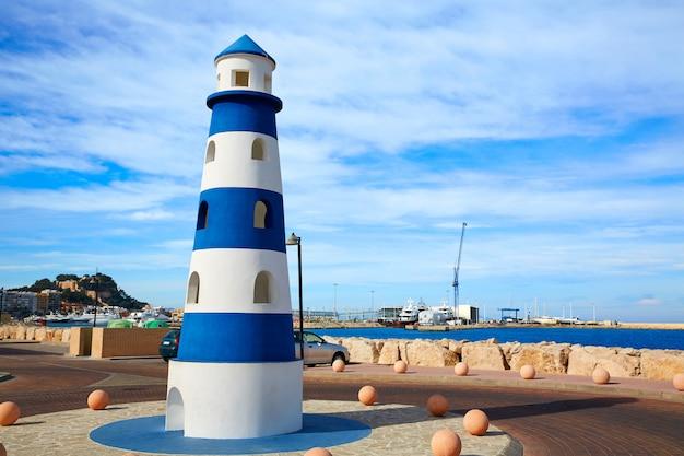 Monumento al faro de denia en el mediterráneo