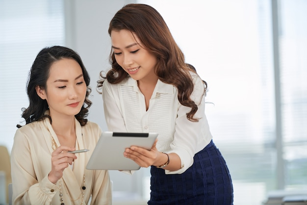 Mostrar documento comercial al colega