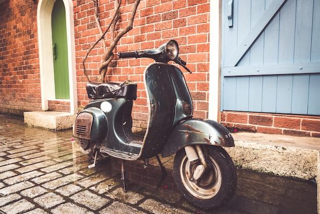 Motocicleta vieja y vintage
