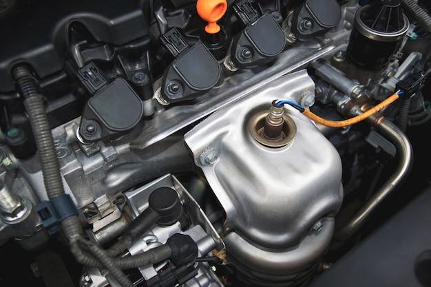 Un motor de combustión interna o motor eléctrico y capaz de transportar un pequeño número.
