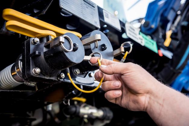 Motor de cosechadora. cadenas de engranajes y nuevos mecanismos modernos.
