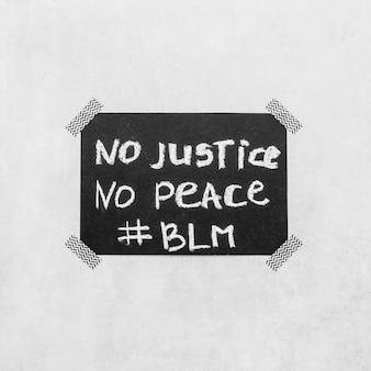 Movimiento de materia de vidas negras en pizarra