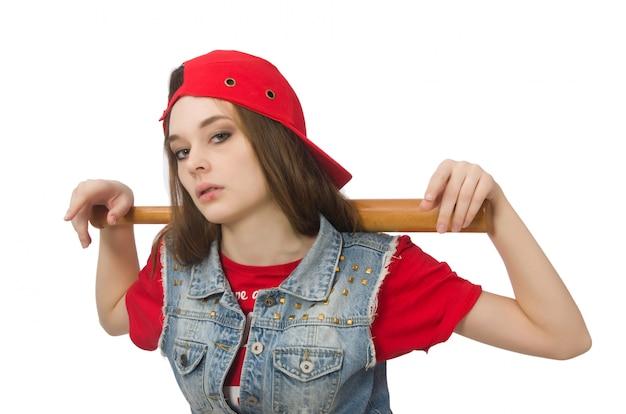 Muchacha bonita que sostiene el bate de béisbol aislado en blanco