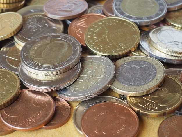 Muchas monedas de euro