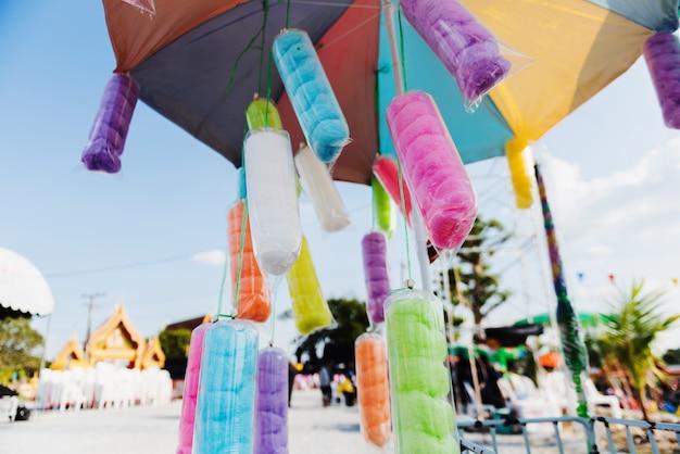 Muchos colores de candy ortisaiahm en paquete colgando para vender