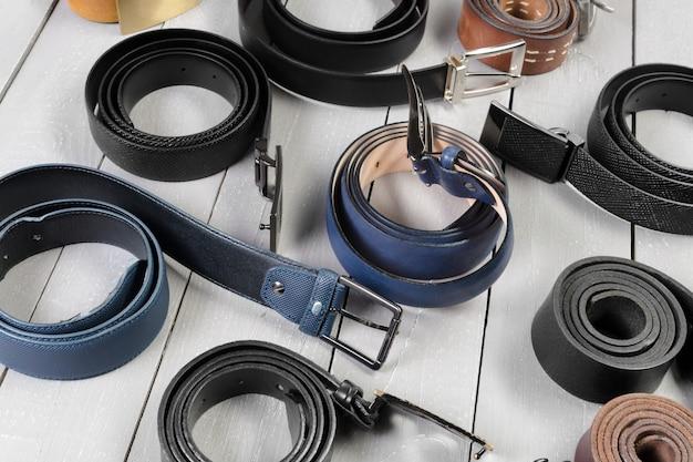 Muchos tipos de cinturones