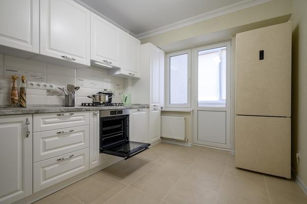 Muebles de cocina modernos blancos de lujo