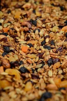 Muesli granola frutos secos. de cerca.