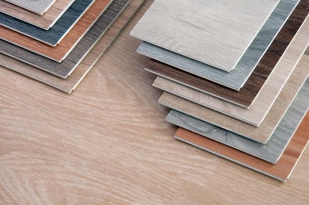 Muestra de material de madera para interiorismo.