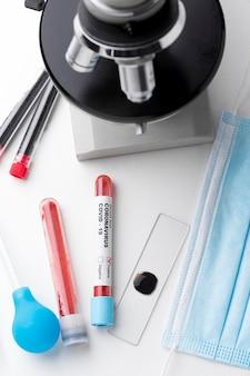 Muestra de sangre para la prueba de covid-19
