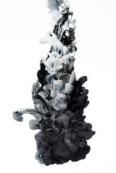 Mueve lentamente la mezcla de tintas