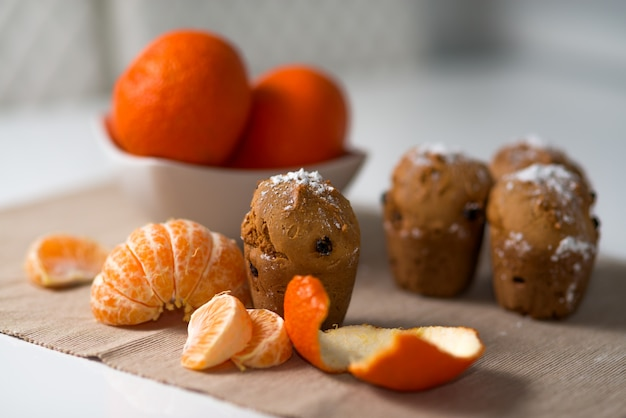 Muffin con mandarina y pasas