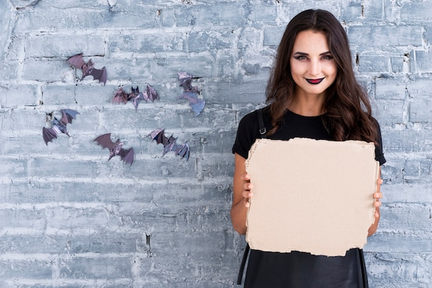 Mujer adulta lista para halloween