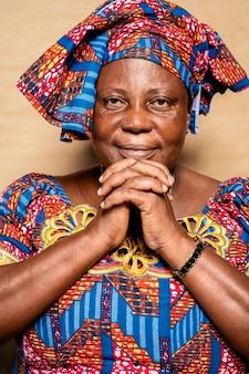 Mujer africana, mayor