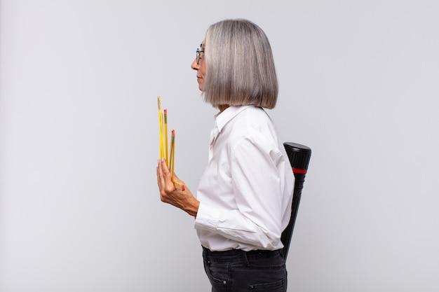 Mujer arquitecto senior