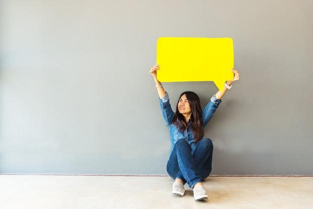 Mujer asiática, encuesta, evaluación, análisis, retroalimentación, icono