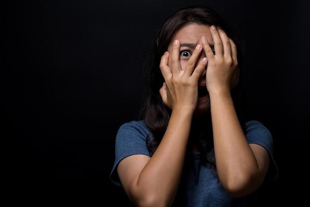 Mujer asustada