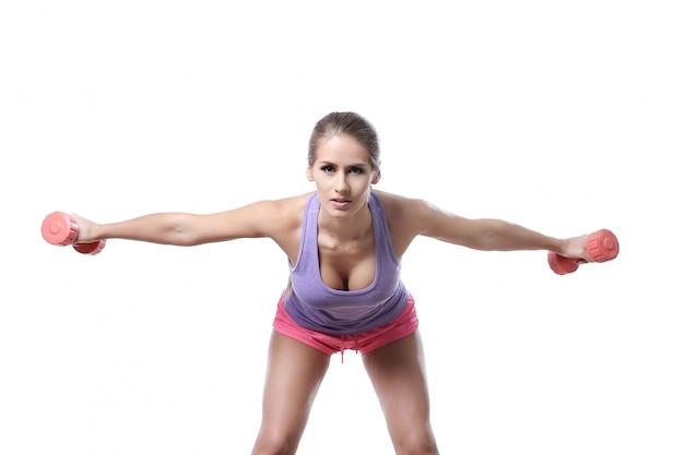 Mujer atractiva atleta aislada