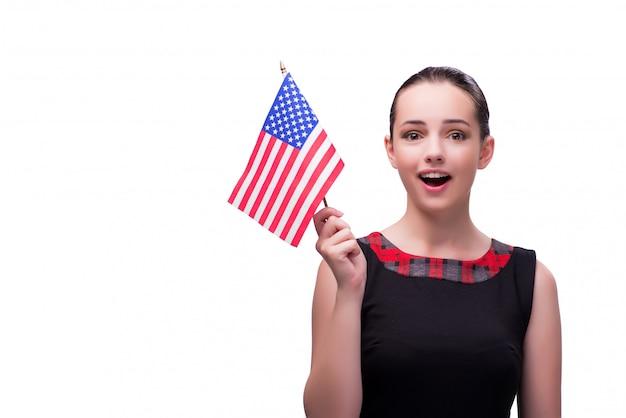 Mujer con bandera americana aislada en blanco
