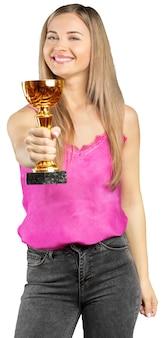Mujer bonita con premio aislado en blanco