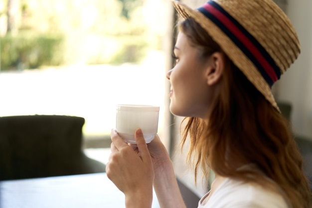 Mujer café ocio estilo de vida desayuno estilo de vida
