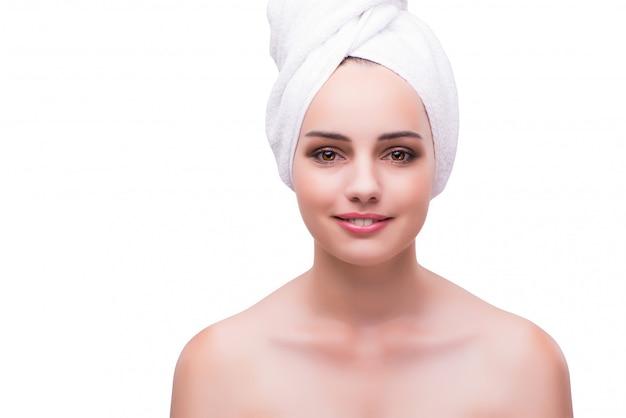 Mujer en concepto de tratamiento facial aislado en blanco