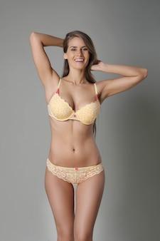 Mujer con cuerpo hermoso